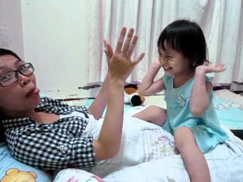 Ma Ty choi voi Nhu   Quang cuoi
