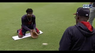 Chopcast LIVE: Ron Washington runs Braves rookie Ozzie Albies through fielding drills