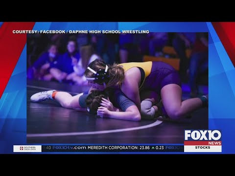 Daphne High School girls' wrestling team wins state championship