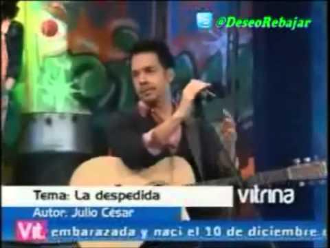"""Julio César presenta su tema """"La Despedida"""" en Vitrina Televen"""
