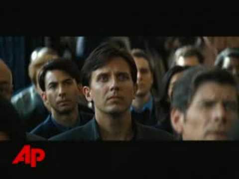 "REVIEW: Batman Soars in ""The Dark Knight"""