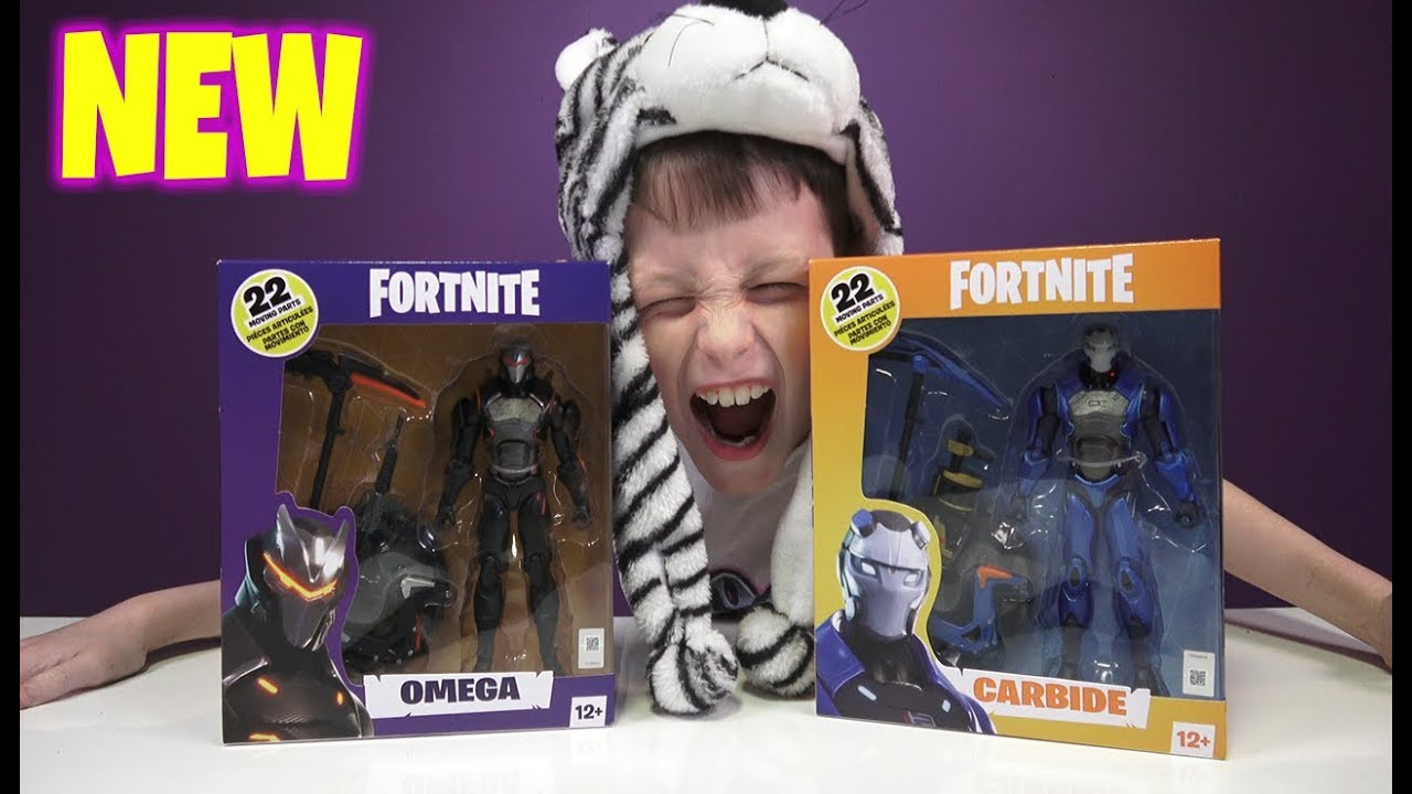 McFarlane FORTNITE Wave 3 Fortnite Skins OMEGA and CARBIDE  Merchandise  shop with me hot toys