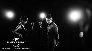 Kevin Lim ft. Nowela - Cinta Kita Beda (Official Music Video)