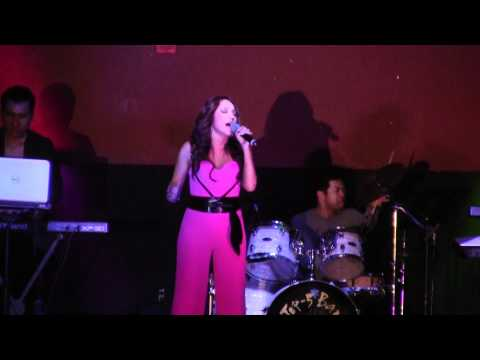 Hy Vong Band-Ca Si Thanh Ha-Choi Voi