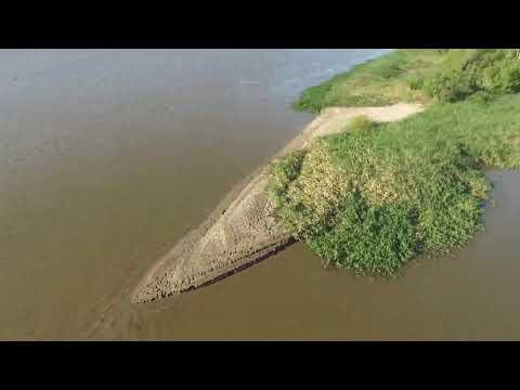 Se registra una bajante del río Paraná: imágenes de drone