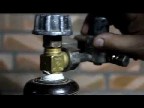 Клапан (также вентиль) — запорная и регулирующая арматура, конструктивно. Вентиль баллонный вб-12,8 на газовом баллоне. Арматуры, однако для номинального давления от 2,5 мпа и номинального диаметра более 50.