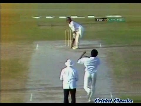 18 year old Sachin Tendulkar vs Pakistan Bowling   49 off 38 balls 1991 Sharjah