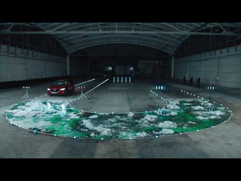 De volgende test: 200 liter zeep! Kan onze i-ACTIV All-Wheel-Drive het aan?