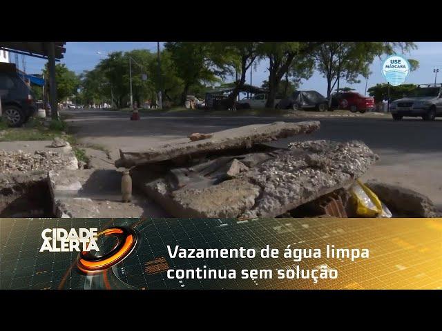 Vazamento de água limpa continua sem solução no bairro do Vergel