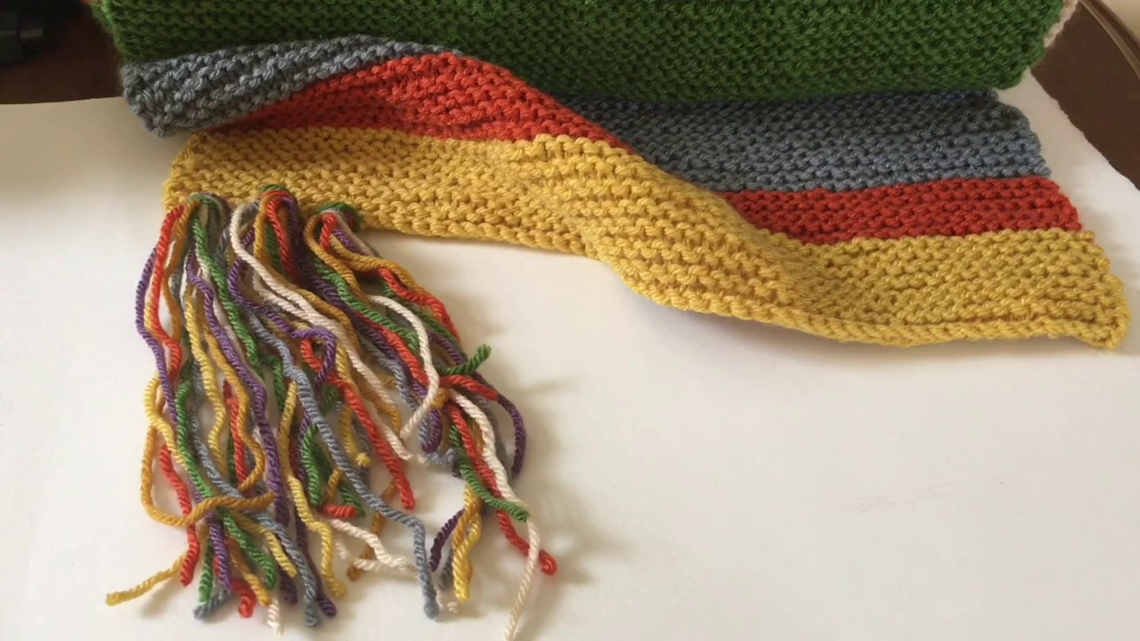 More Knitting And Doctor Who Tassel Tutorial Youtube