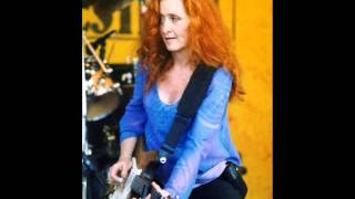Watch Bonnie Raitt Matters Of The Heart Live video
