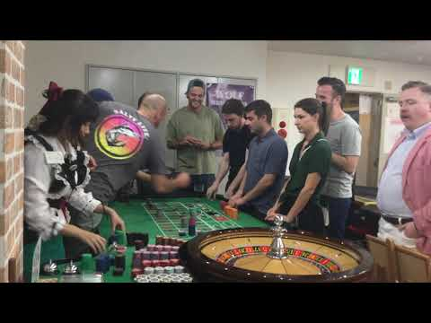 Roulette Dealer In Osaka Doesn't Spin Roulette Wheel Because They Control The Balance Perfectly.