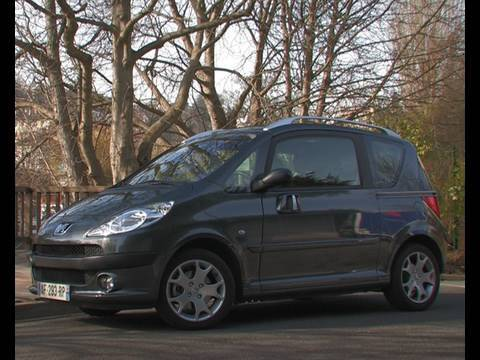 Essai peugeot 1007 2010 youtube for Porte 1007 ne se ferme plus