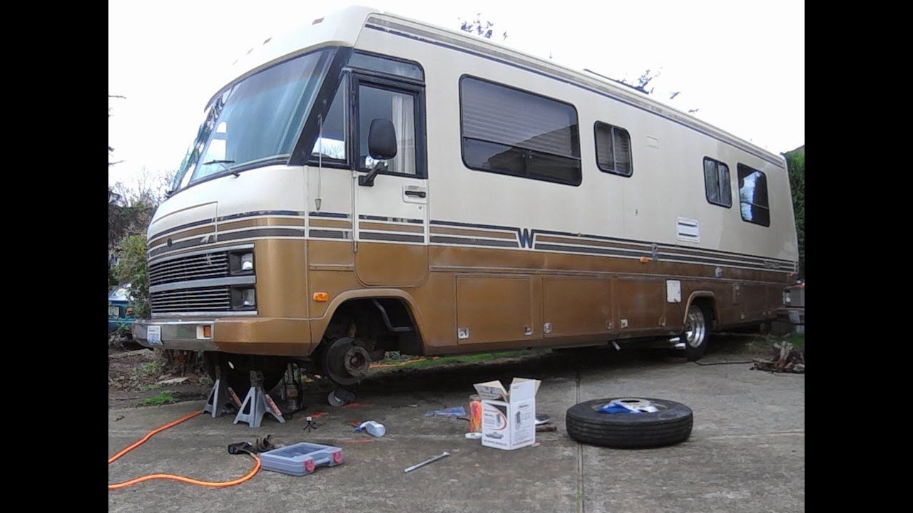 How to Replace Front Air Springs on 1963-99 P30 Motorhome RV Chassis