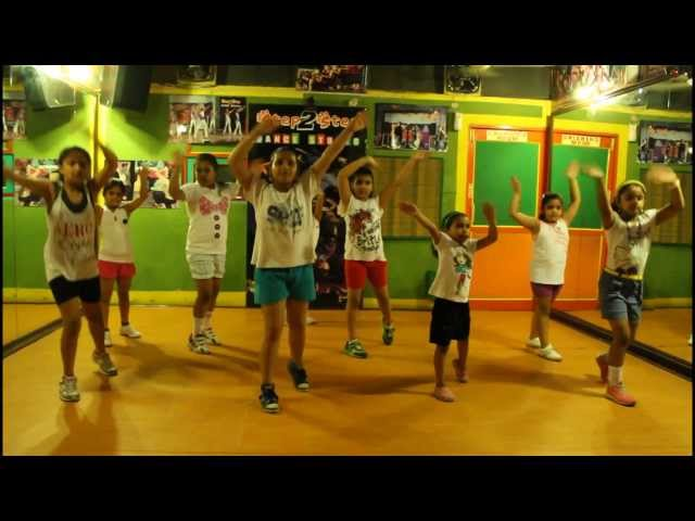 yeh jawani hai deewani- balam pichkari kids dance at step2step dance studio,mohali,09888137158 Travel Video