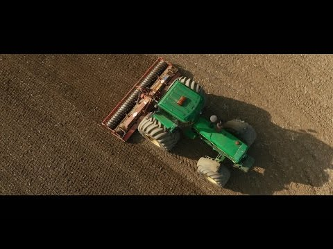 Stunning 4K drone film of the biggest tractors, cultivators and drills in the UK