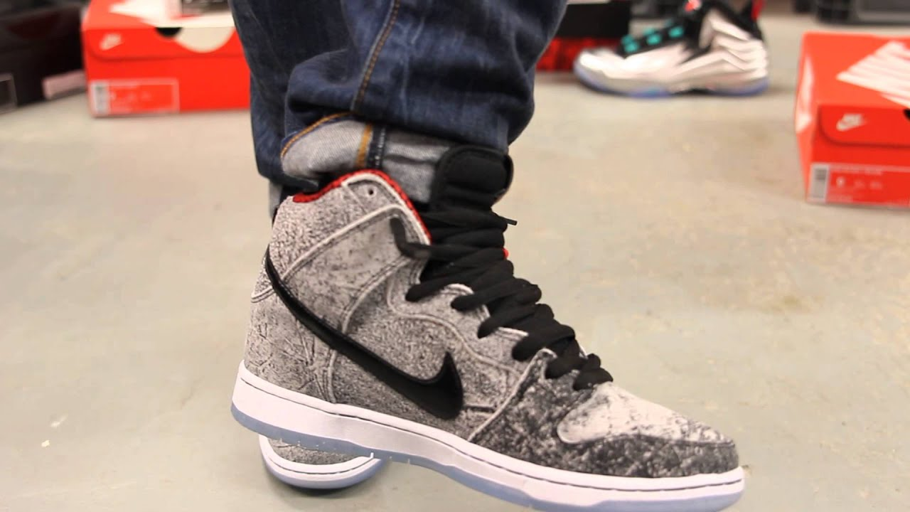 check out 8276c d3d4a Nike SB Dunk High Premium