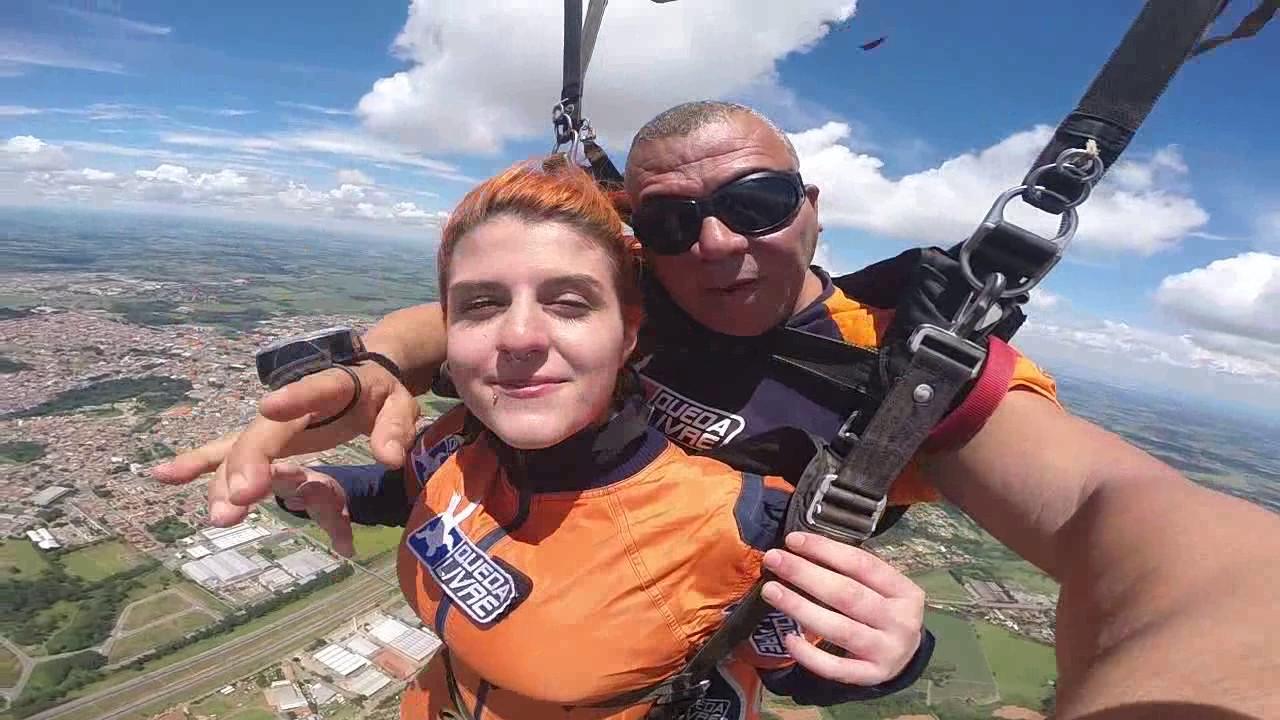 Salto de Paraquedas da Bruna A na Queda Livre Paraquedismo 15 01 2017