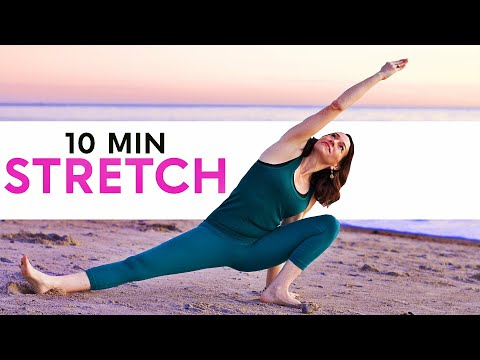 Morning Yoga At The Beach (10 Minute Stretch)