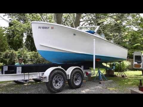 How to properly take your boat off its trailer with Master Shipwright Louis Sauzedde