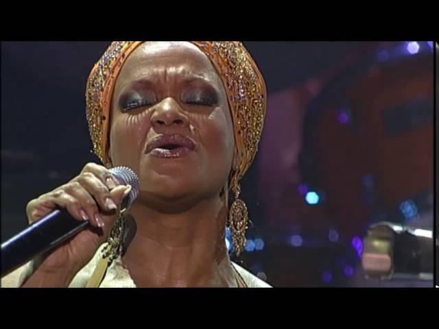 Ruth Jacott - nooit meer Verliefd (Live Luxor Theater)