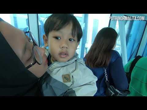 Naik Air Asia Ke Kuala Lumpur [ Liburan Ke Malaysia Bagian 1 ]