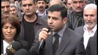 Demirtaş, Diyarbakır E Tipi Cezaevi önünde basın açıklaması yaptı