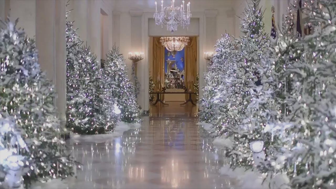 melania trump criticized over cold and creepy white house christmas decorations - Trump Christmas Decorations