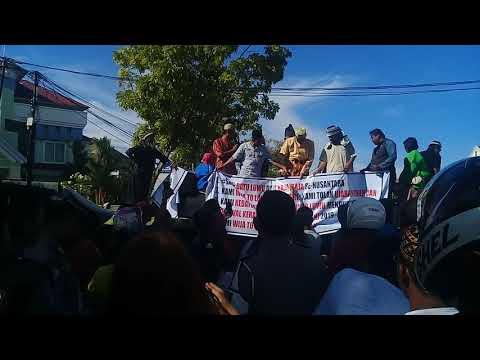 Aliansi Wija To Luwu Demo di Kantor DPRD Palopo