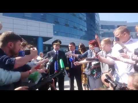 Пилот - герой Дамир Юсупов о посадке Airbus на кукурузном поле