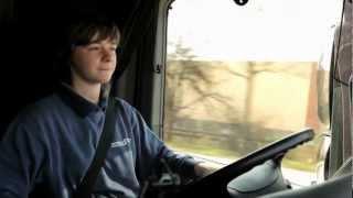 Berufskraftfahrer/in. Auch eine Ausbildung, die zu dir passen könnte.