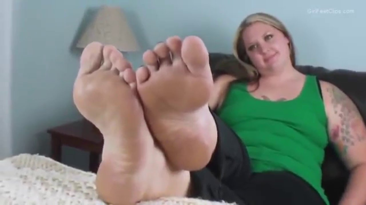 Beautiful bbw meaty feet