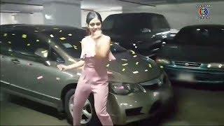สาวเซ็ง เจอรถจอดขวางไม่ปลดเบรคมือ แปะกระดาษรอบคัน ก่อนอัดคลิปเต้น 'ปานามา' แก้เครียด