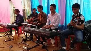 Nhóm nhạc Adơk Kông