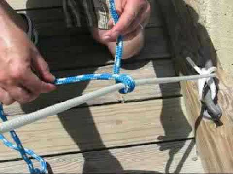 Sailing knots - How to tie a Rolling Hitch- The International Marine Book of Sailing - Robby Robinson - 0070532257