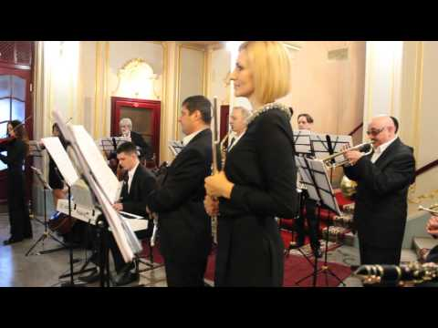 """Closely dancing"". Chernivtsi  orchestra."