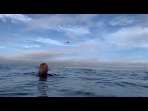 Caught on camera: Pilot loses power, lands in ocean