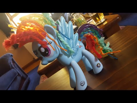My Little Pony Rainbow Dash Design-a-Pony - Snow Does A Thing
