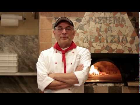 Neapolitan Pizza: original recipe by Enzo Coccia