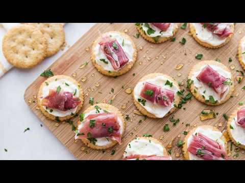 how-to-make-easy-creamy-prosciutto-cracker-appetizer