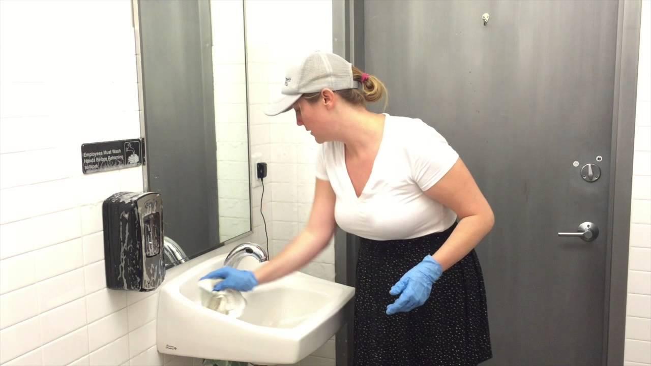 Washing bathroom walls - Bathroom Cleaning Walls