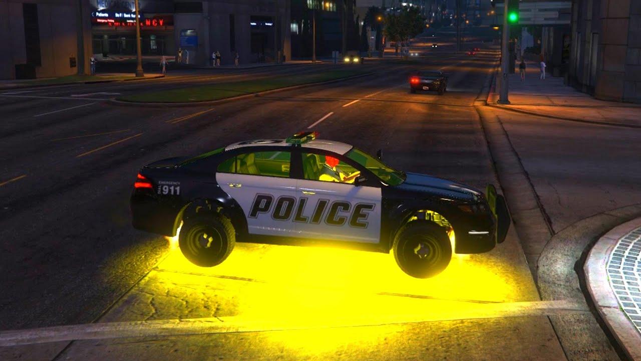 Spider man conduit une voiture de police et un h licopt re youtube - Spiderman voiture ...