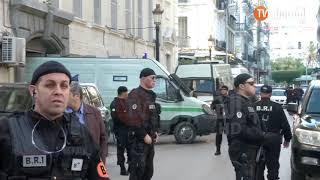 وصول المتهمين إلى محكمة سيدي أمحمد