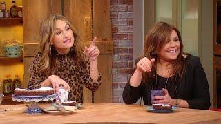 Rachael + Giada De Laurentiis Dish On Their First Memories In The Kitchen