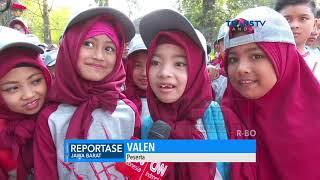 Pertunjukan 1000 Angklung oleh Anak-Anak Murid 25 SD di Kota Bandung