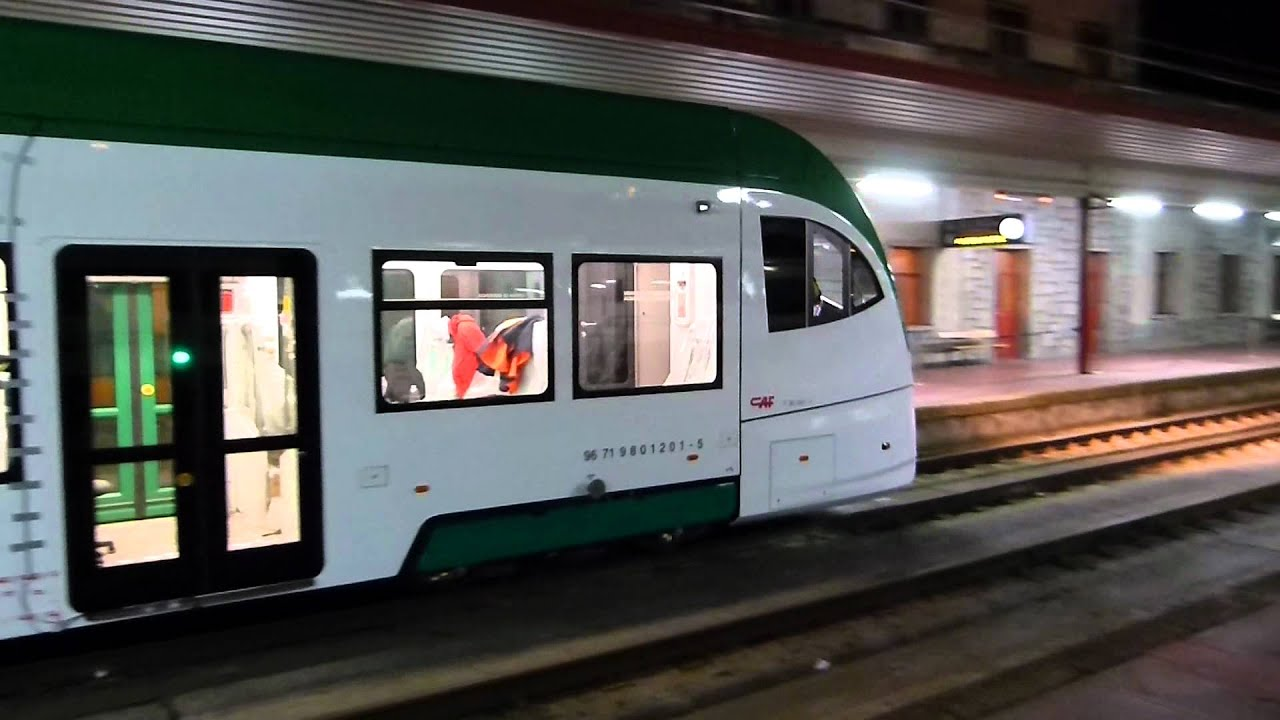 Tren-Tram Bahia de Cadiz de pruebas en Irun - YouTube