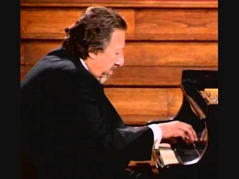 Handel Chaconne in G -- Lazar Berman -- Live in Helsinki -- 1978