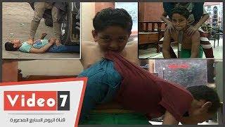 الطفل الخارق.. أحمد مابيتحرقش بالنار ولا يتخدش لو صدمته سيارة نقل - اليوم السابع