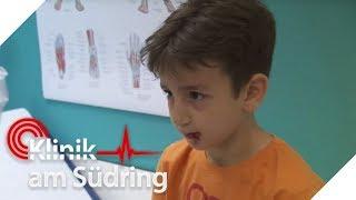Junge (8) hat Glas gegessen - Warum will er seinen Mund nicht öffnen? | Klinik am Südring | SAT.1 TV thumbnail