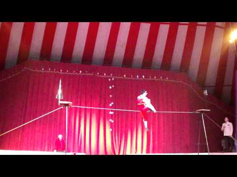 sebastian de la cruz, alambrista, circo tony caluga.AVI Travel Video